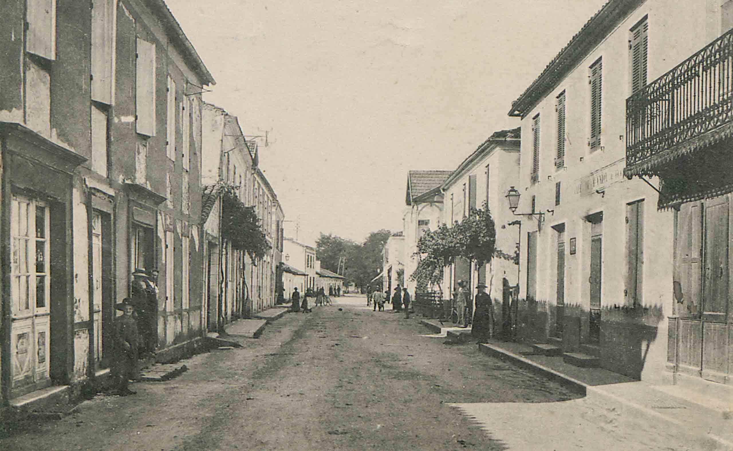 Luxey - Grande rue en 1901